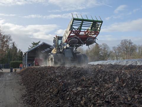 Van 500 ton blad naar duurzame bodemverbeteraar