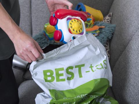 Nieuwe BEST-tassen in de bus